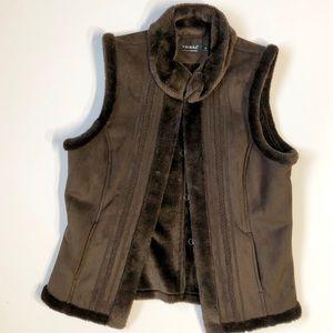 Woman's suede/faux fur vest